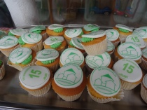 Mooie logo cup-cakes.